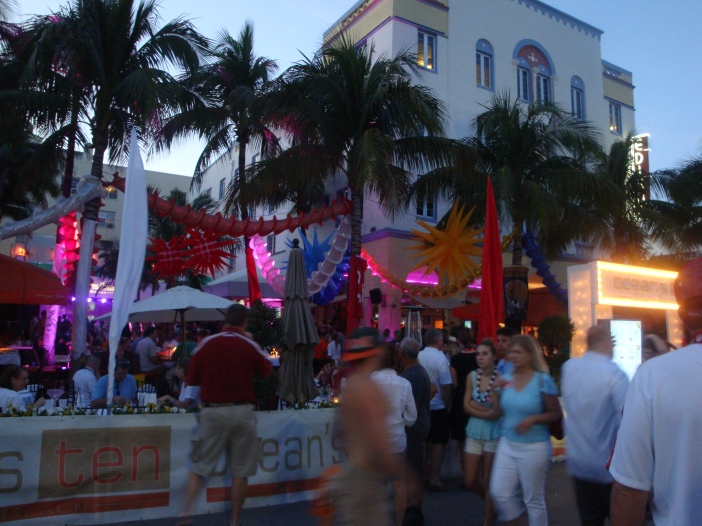 Ocean's Ten on South Beach. Almost as popular as The Clevelander for Notre Dame fans.